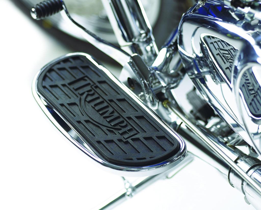 Triumph America / Speedmaster Rider Footboard Kit